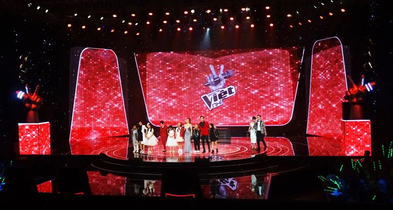 Màn hình LED bắt mắt của Hồng Nhân trong chương trình The Voice Kid Việt
