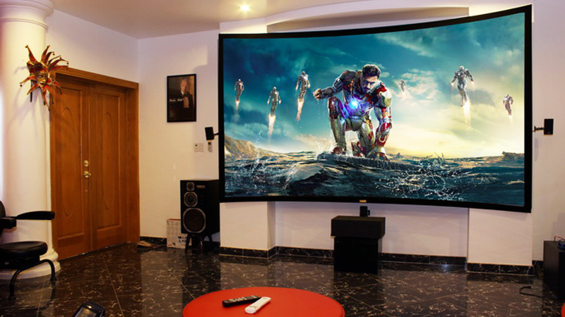 Màn chiếu cong được sử dụng nhiều tại các phòng chiếu phim 3D cao cấp