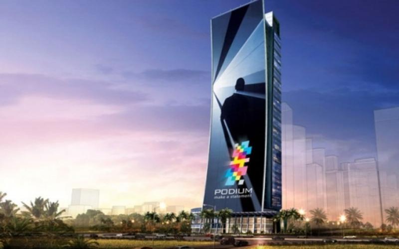 Màn hình LED quảng cáo tại Podium Dubai giống một chiếc Smartphone khổng lồ