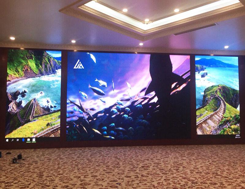 Màn hình LED Indoor P2.5 có chất lượng hình ảnh tốt mà giá rẻ hơn P2