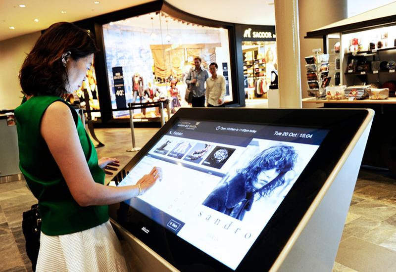 Màn hình LED giúp tiết kiệm nhân sự để giới thiệu sản phẩm cho khách hàng